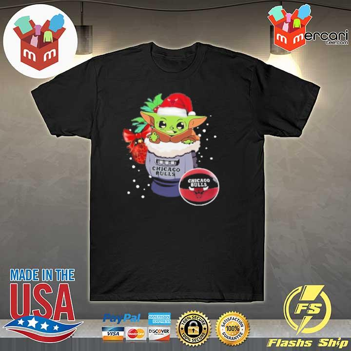 2020 chicago bulls christmas baby yoda star wars funny happy nba sweatshirt