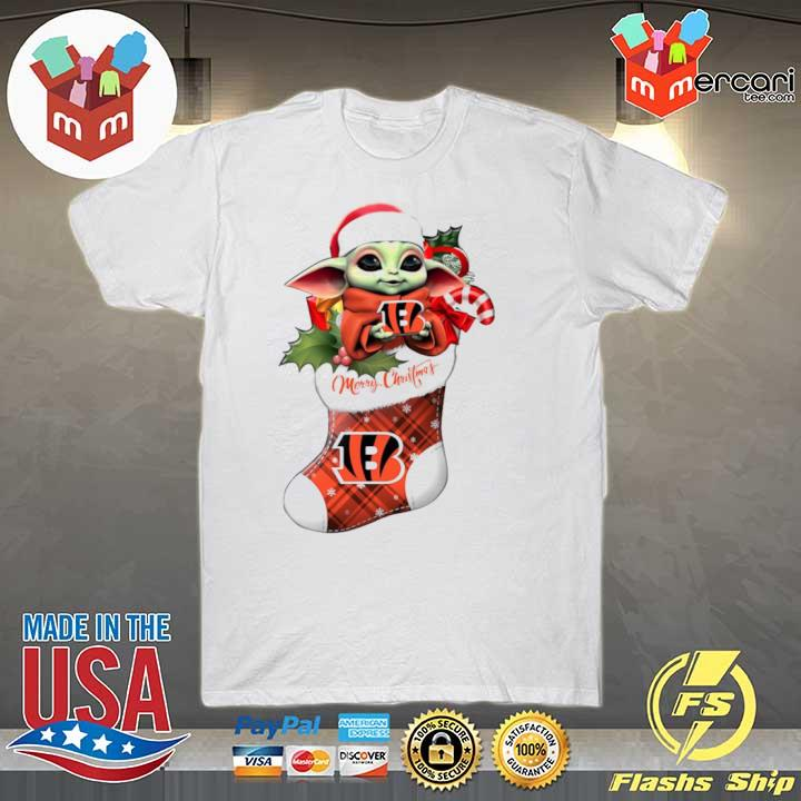 2020 baby yoda hug cincinnati bengals ornament merry christmas 2020 shirt